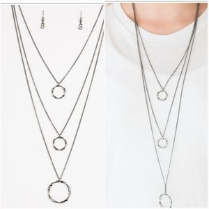 TIMELESSLY TWISTED GUNMETAL NECKLACE/EARRING SET